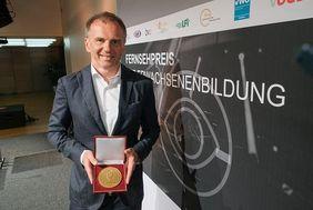 Axel-Corti-Preisträger Armin Wolf; Fernsehpreis der Erwachsenenbildung