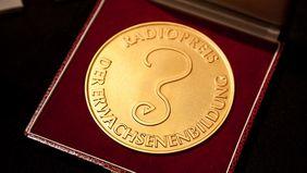 Radiopreis-Plakette